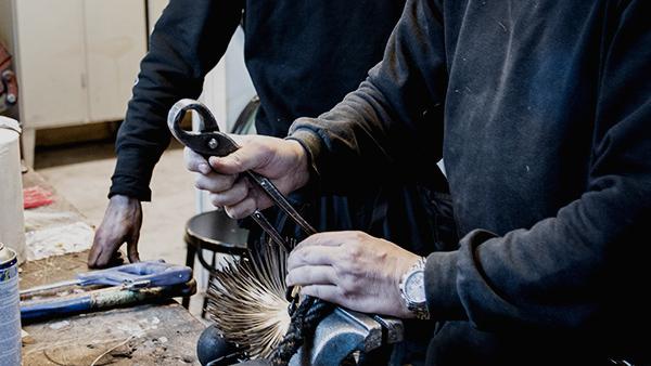 Sotare i Örebro som kan tillverka redskap och skorstensskydd